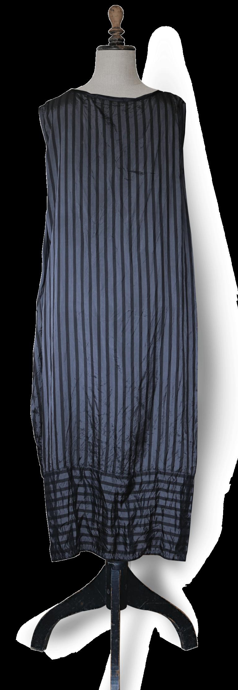 Maxi Dress Back - Black and grey stripe